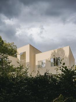Bild von Einfamilienhaus und Neubau